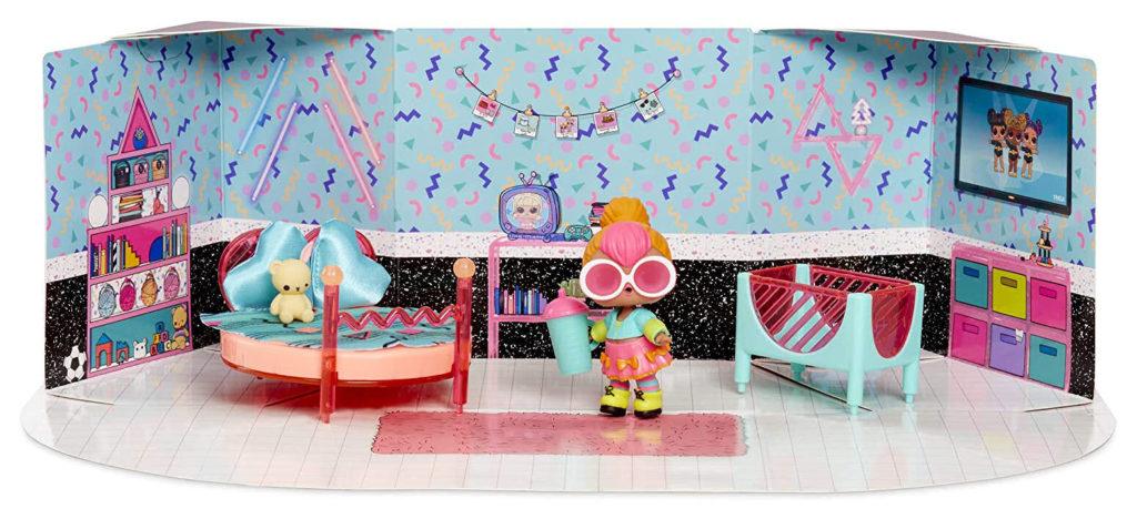 LOL Surprise Bedroom with Neon Q.T.